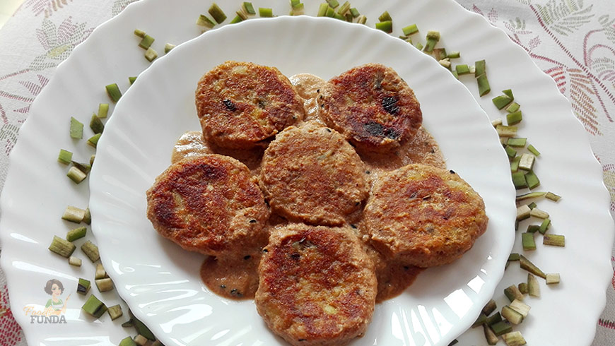 Kanchkolar Kofta Curry (Raw Banana)